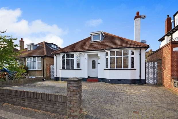 3 Bedrooms Detached Bungalow for sale in Stilecroft Gardens, WEMBLEY, Middlesex
