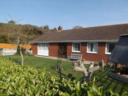 3 Bedrooms Bungalow for sale in Kingsand, Torpoint, Cornwall