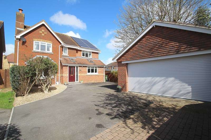 5 Bedrooms Detached House for sale in Partridge Close, Fareham