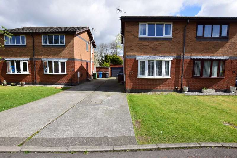 2 Bedrooms Semi Detached House for sale in Byron Avenue, Warton