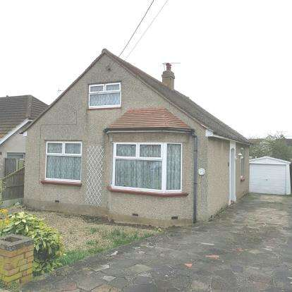 4 Bedrooms Bungalow for sale in Benfleet, Essex