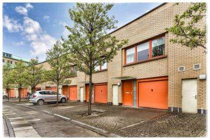 3 Bedrooms Town House for sale in St Francis Rigg, New Gorbals, Glasgow