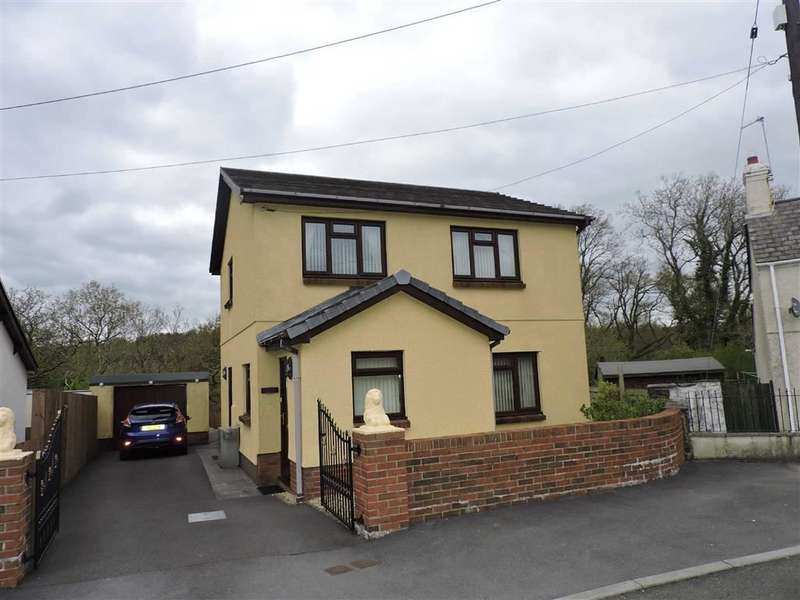 3 Bedrooms Property for sale in Hendre Road, Capel Hendre