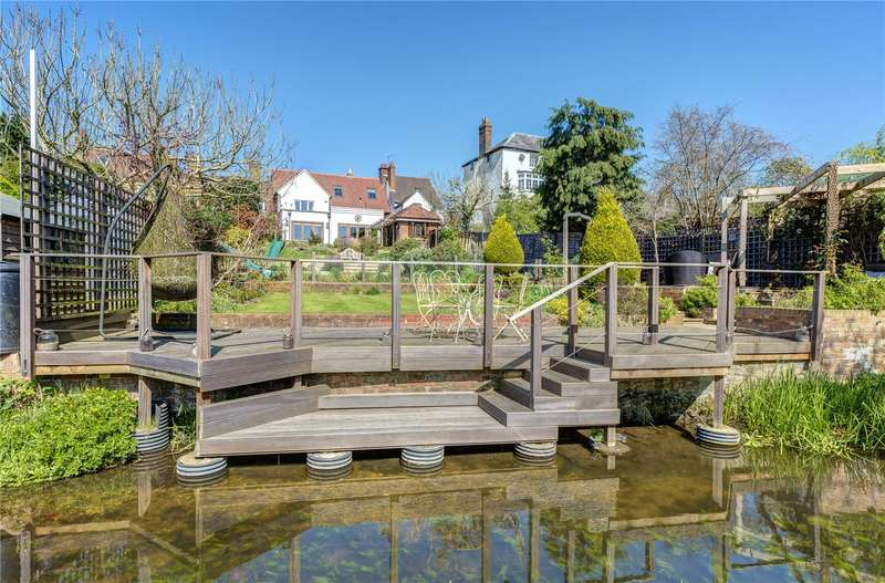 5 Bedrooms Terraced House for sale in Uxbridge Road, Mill End, Rickmansworth, Hertfordshire, WD3