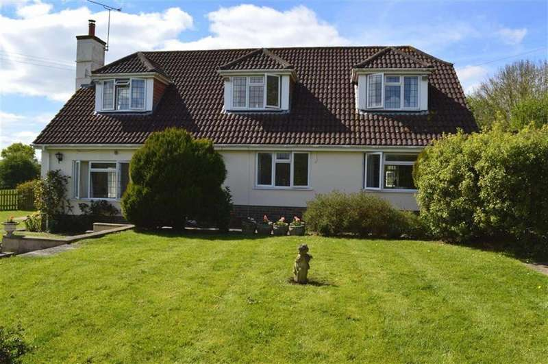4 Bedrooms Chalet House for sale in Holtwood, Wimborne, Dorset