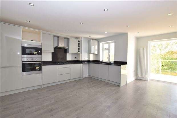 1 Bedroom Flat for sale in 3 Poets House, Erskine Road, SUTTON, Surrey, SM1 3AT