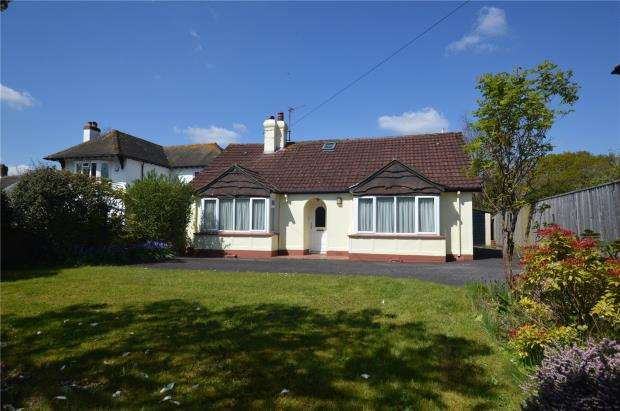 4 Bedrooms Detached Bungalow for sale in Exeter Road, Honiton, Devon