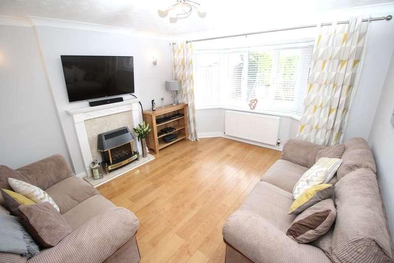 4 Bedrooms Detached House for sale in Arlott Way, Edlington, Doncaster, DN12