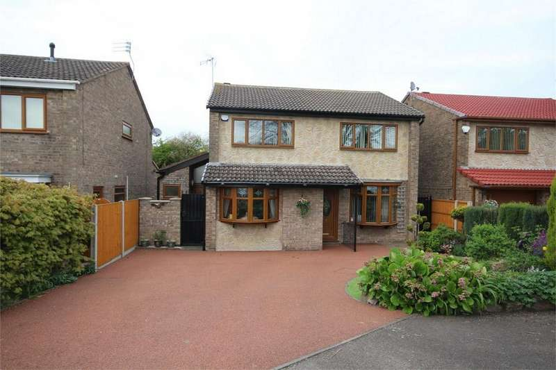 4 Bedrooms Detached House for sale in Chalfont Close, Bedworth, Warwickshire