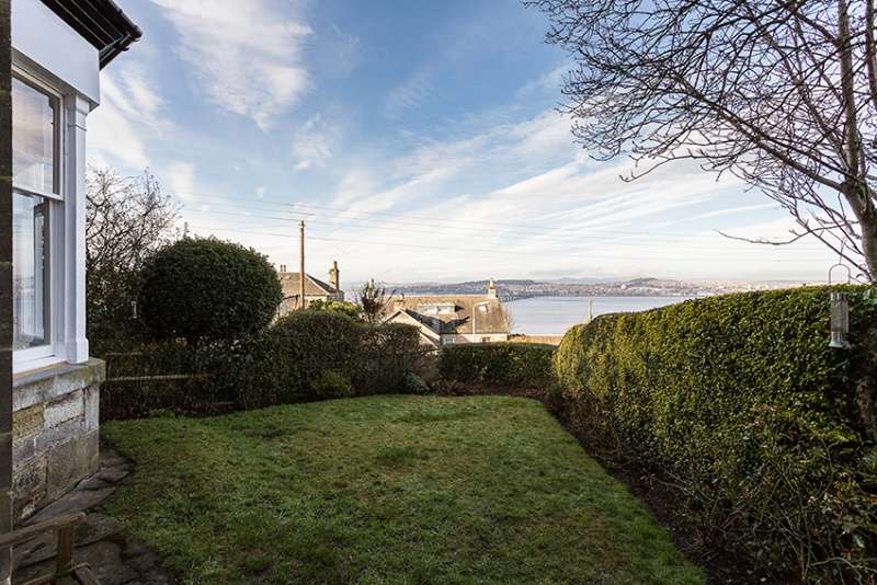 2 Bedrooms Ground Flat for sale in Hill Park Terrace, Wormit, Newport-on-Tay, Fife, DD6 8PN