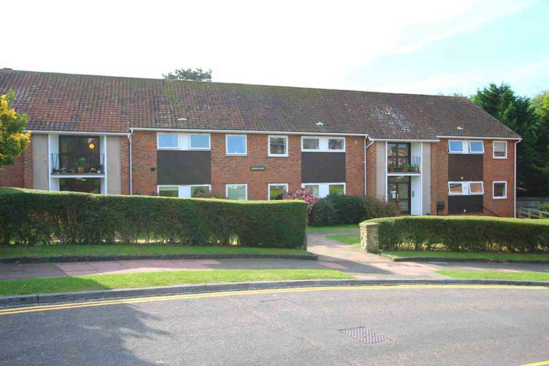 2 Bedrooms Flat for sale in Michel Grove, Eastbourne, BN21 1JX