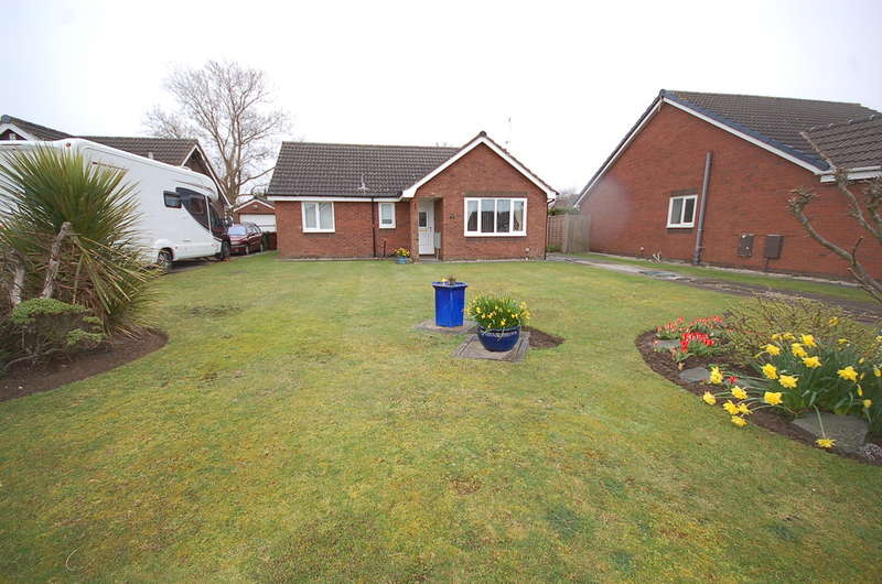 3 Bedrooms Detached Bungalow for sale in Jellicoe Close, Lytham St Annes