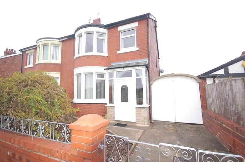 3 Bedrooms Semi Detached House for sale in Arnold Avenue, Blackpool