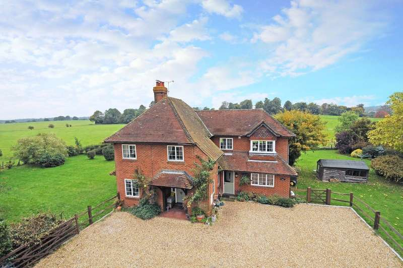 4 Bedrooms Detached House for sale in Puttenham