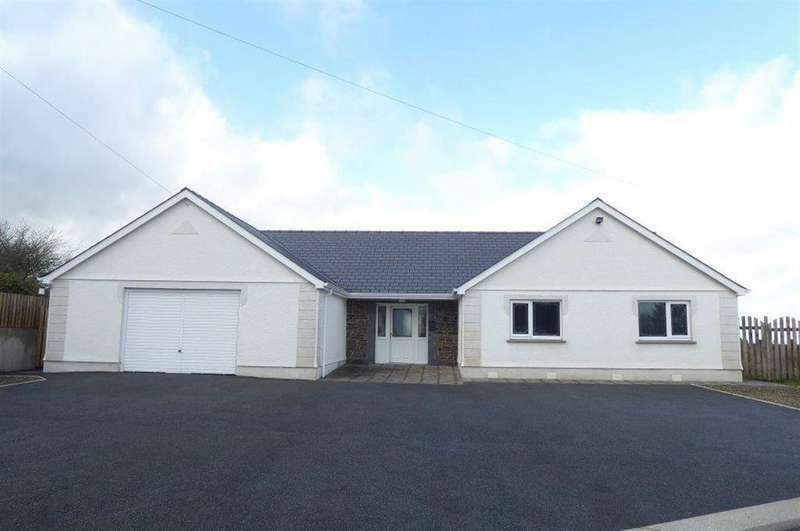 3 Bedrooms Bungalow for sale in Llandysul, Ceredigion