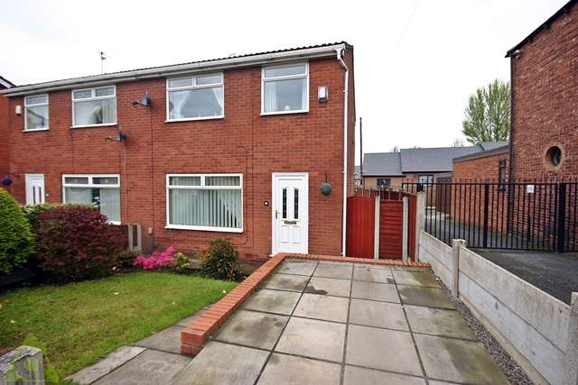 3 Bedrooms Semi Detached House for sale in Chapel Green Road, Hindley, WN2