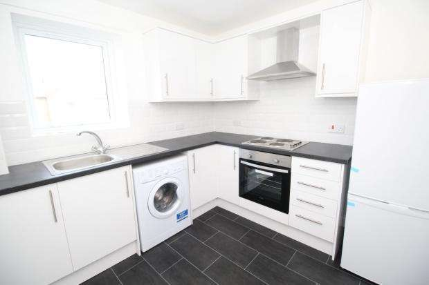 2 Bedrooms Flat for rent in Calverley Bridge, Leeds