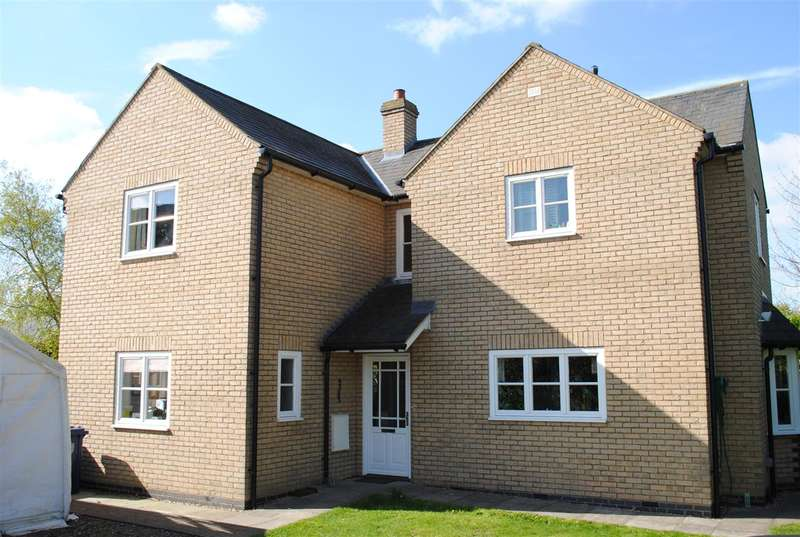 4 Bedrooms Detached House for sale in The Mill, Royston Road, Litlington