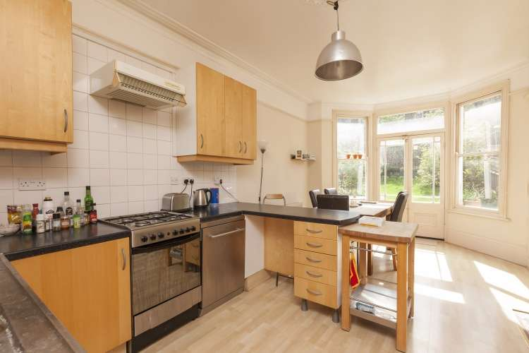 4 Bedrooms Terraced House for sale in Ommaney Road London SE14