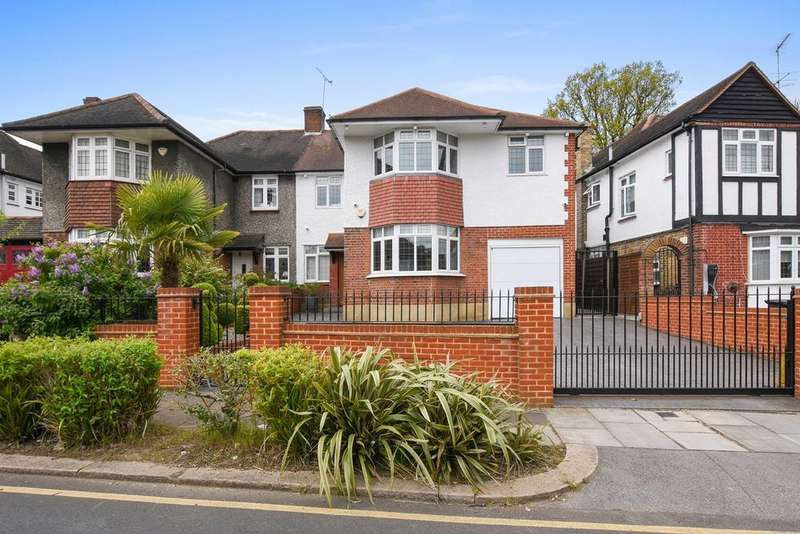 4 Bedrooms Semi Detached House for sale in Parkway, Southgate, London, N14