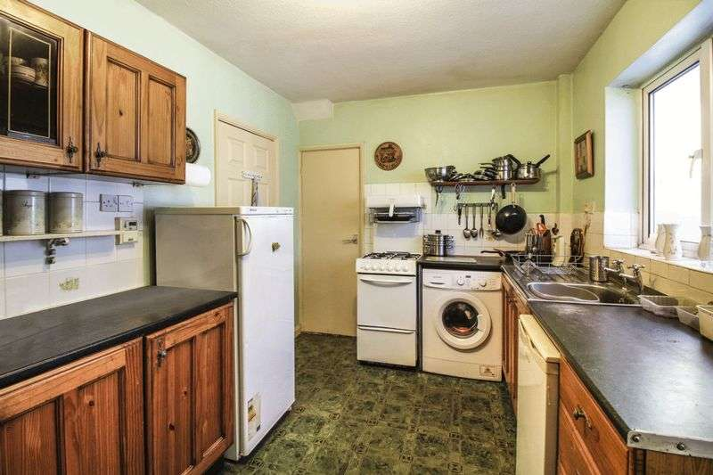 3 Bedrooms Semi Detached House for sale in Skipton Circus, Skipton