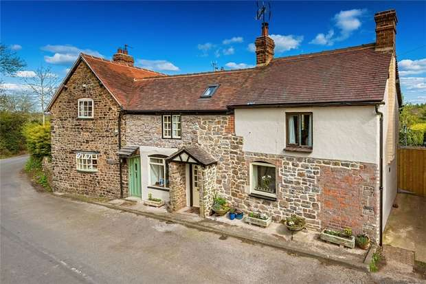3 Bedrooms Cottage House for sale in 7 South Road, Ditton Priors, BRIDGNORTH, Shropshire