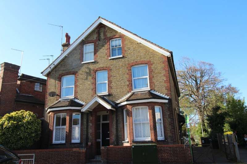 2 Bedrooms Flat for sale in Queen Street, Deal, CT14