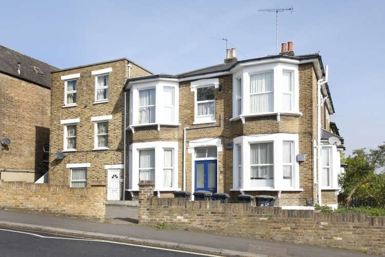2 Bedrooms Flat for sale in Wisteria Road London SE13