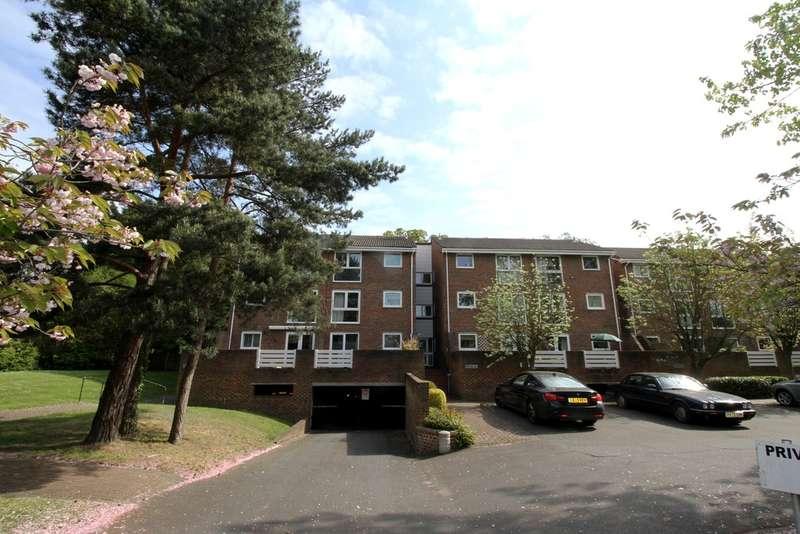1 Bedroom Flat for sale in Hayes Lane, Beckenham