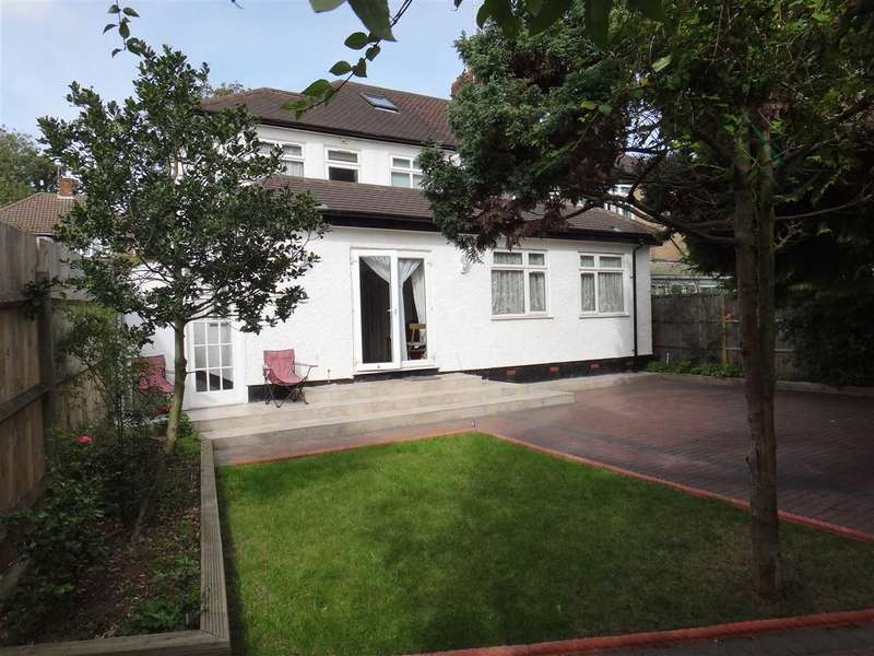 4 Bedrooms House for sale in Melbourne Road, Bushey, WD23