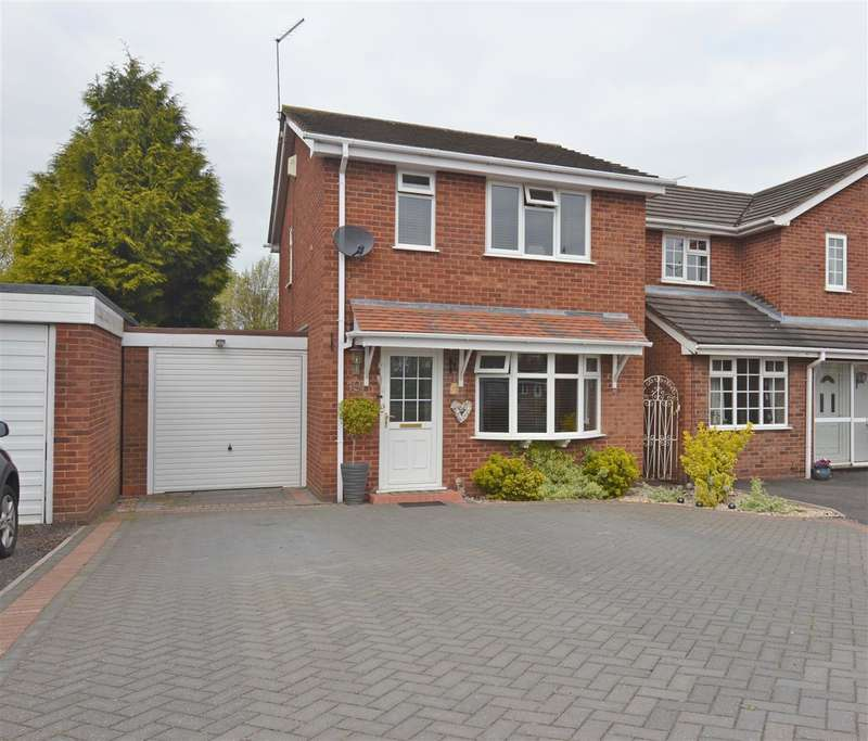 3 Bedrooms Detached House for sale in Tamar Grove, Stafford