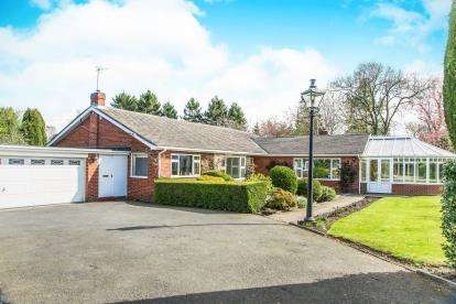 4 Bedrooms Bungalow for sale in Woodside, Darras Hall, Newcastle Upon Tyne, Northumberland, NE20