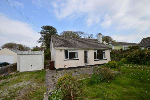 2 Bedrooms Detached Bungalow for sale in Mount Pleasant Road, Camborne, Cornwall