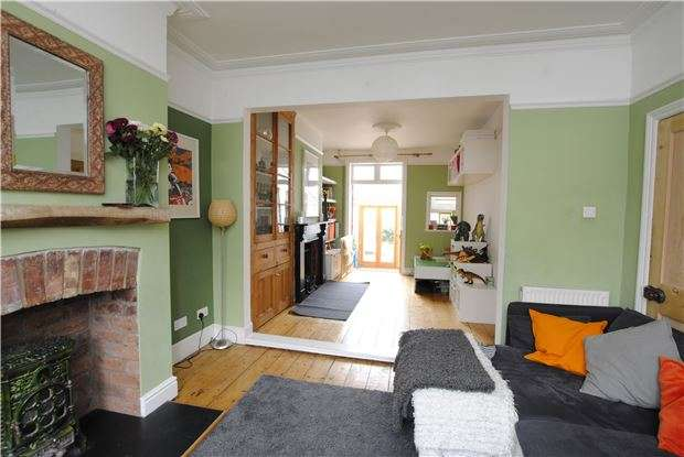 4 Bedrooms Terraced House for sale in Addison Road,Victoria Park, Bristol, BS3 4QH