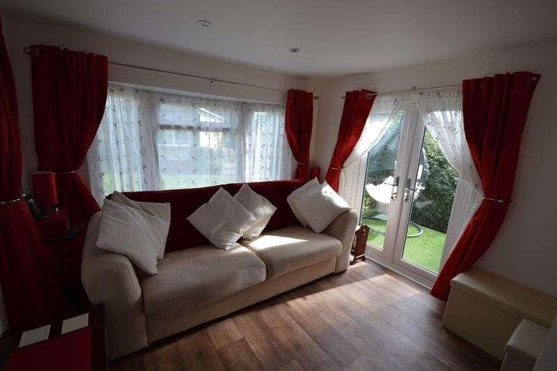 1 Bedroom Property for sale in One Bedroom Mobile Home, Blackfield, SO45