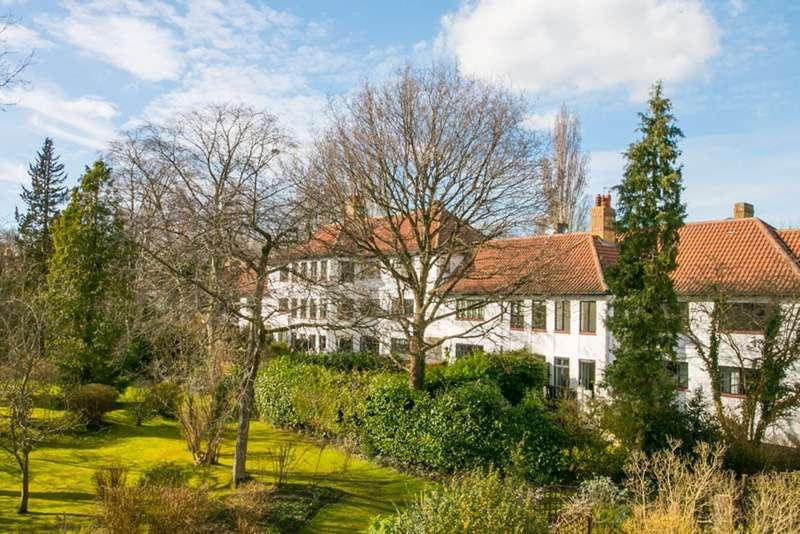 3 Bedrooms Flat for sale in Christchurch Mount, epsom, Surrey, KT19