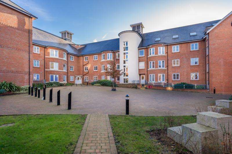 1 Bedroom Apartment Flat for sale in Quakers Court, Abingdon