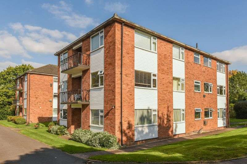 2 Bedrooms Ground Flat for sale in Sandy Lodge Court, Northwood