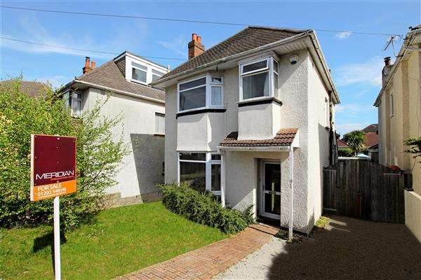 3 Bedrooms Detached House for sale in The Avenue, Bournemouth