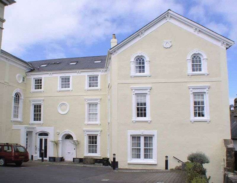 2 Bedrooms Flat for sale in Moorlands, Chagford