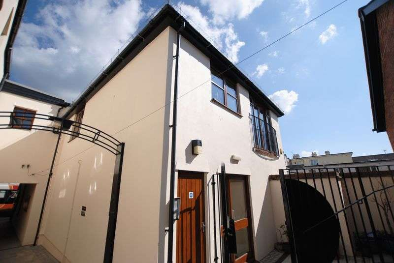 1 Bedroom Flat for sale in Keast Mews, Saltash