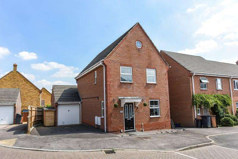 3 Bedrooms Detached House for sale in Moneyer Road, Andover