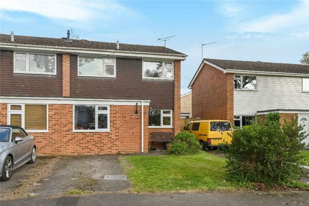 3 Bedrooms Semi Detached House for sale in Mornington Avenue, FINCHAMPSTEAD, Berkshire