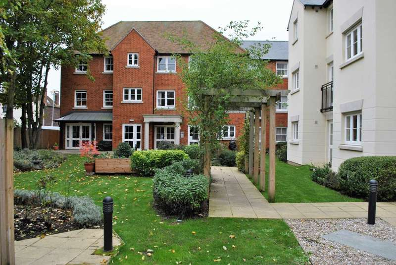 1 Bedroom Apartment Flat for sale in Abbots Lodge, Canterbury