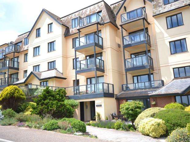 2 Bedrooms Flat for sale in The Rosemullion, Cliff Road, Budleigh Salterton, Devon