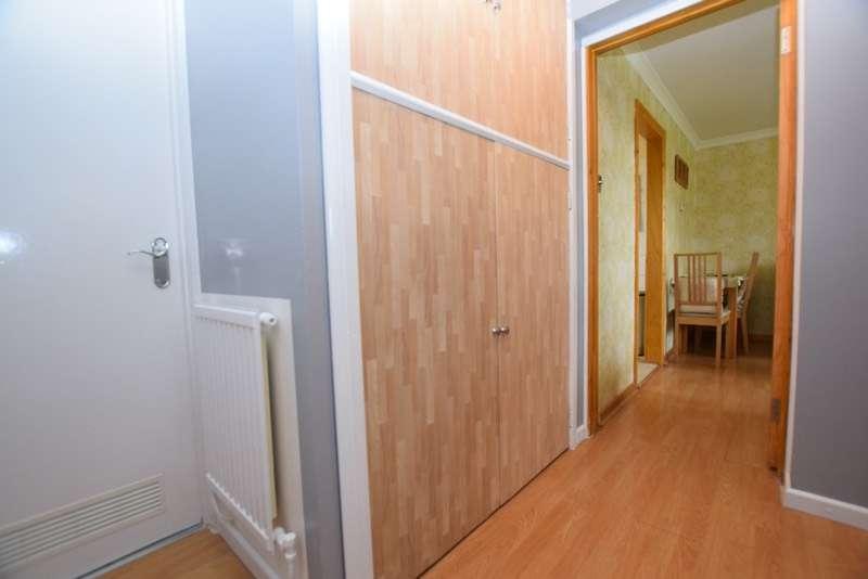 1 Bedroom Flat for sale in Ladyshot, Harlow, Essex, CM20