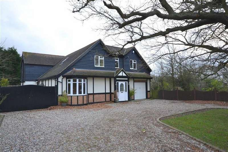 5 Bedrooms Detached House for sale in East Hanningfield Road, Sandon Chelmsford, Essex