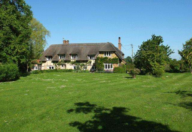 5 Bedrooms Detached House for sale in Forty Green, Bledlow, Buckinghamshire, HP27