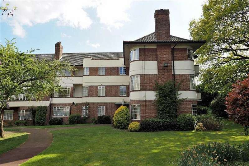 2 Bedrooms Flat for sale in Hermitage Court, South Woodford, London