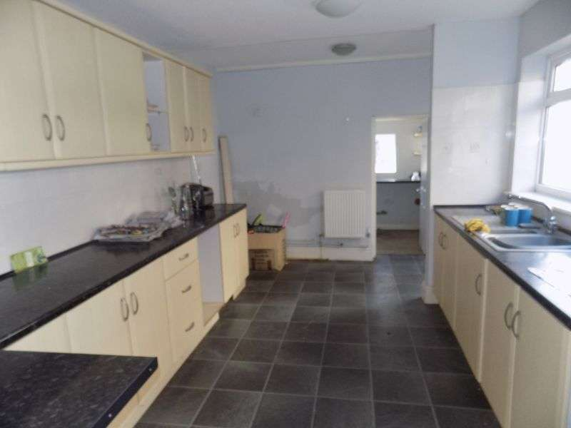 3 Bedrooms Terraced House for sale in Southtown Road, Great Yarmouth